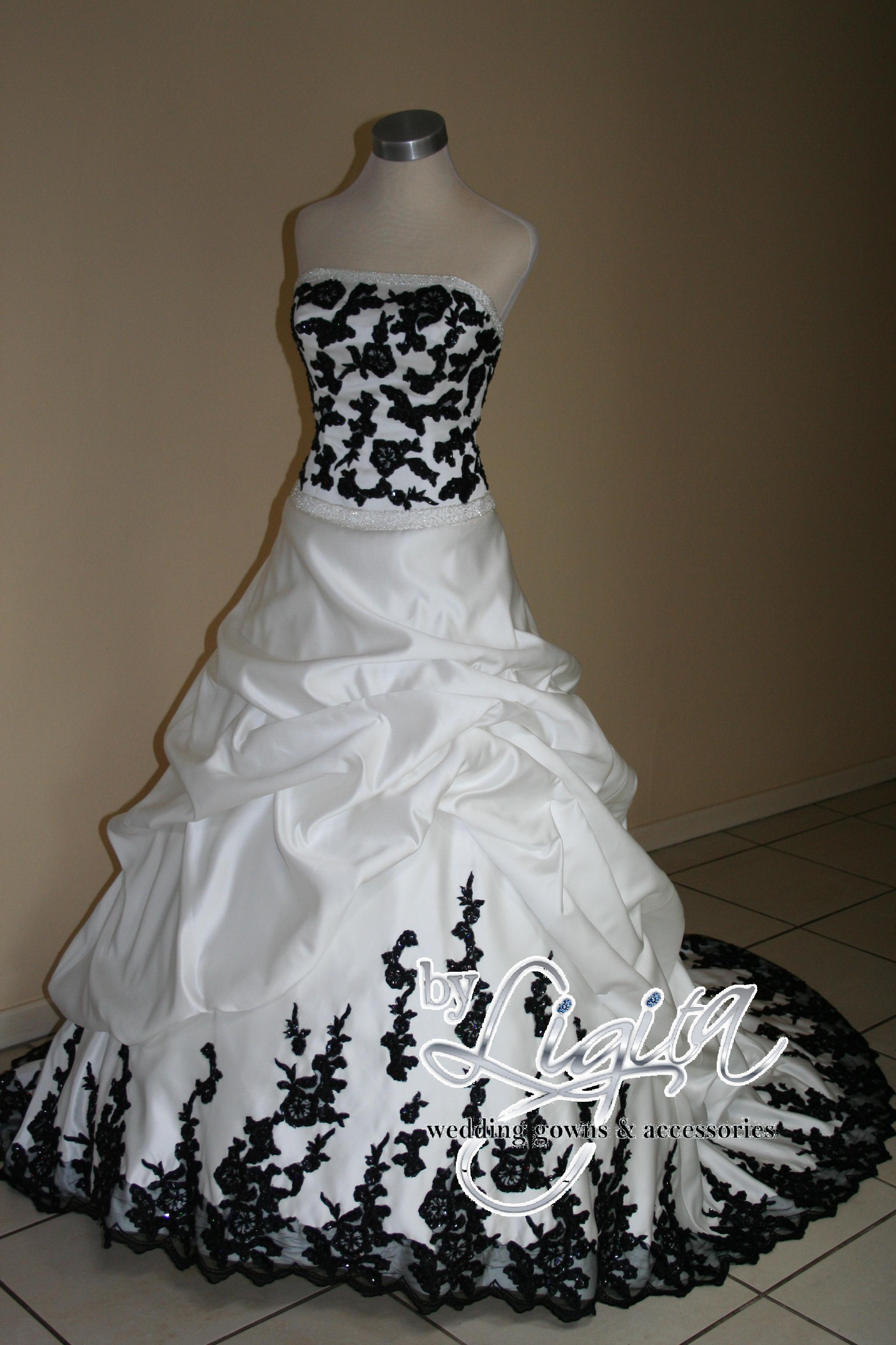 """""""By Ligita"""" wedding gowns & accessories"""