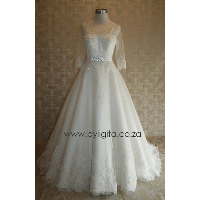 Wedding Gowns Accessories: Wedding Gowns & Accessories